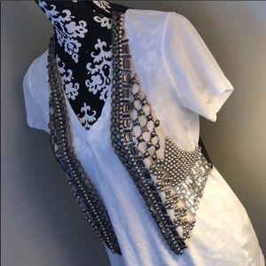 Take 50% off!!🌺 Embellished Vest